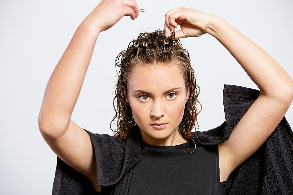 Come asciugare i capelli ricci ? Il CLIPPING per ricci voluminosi