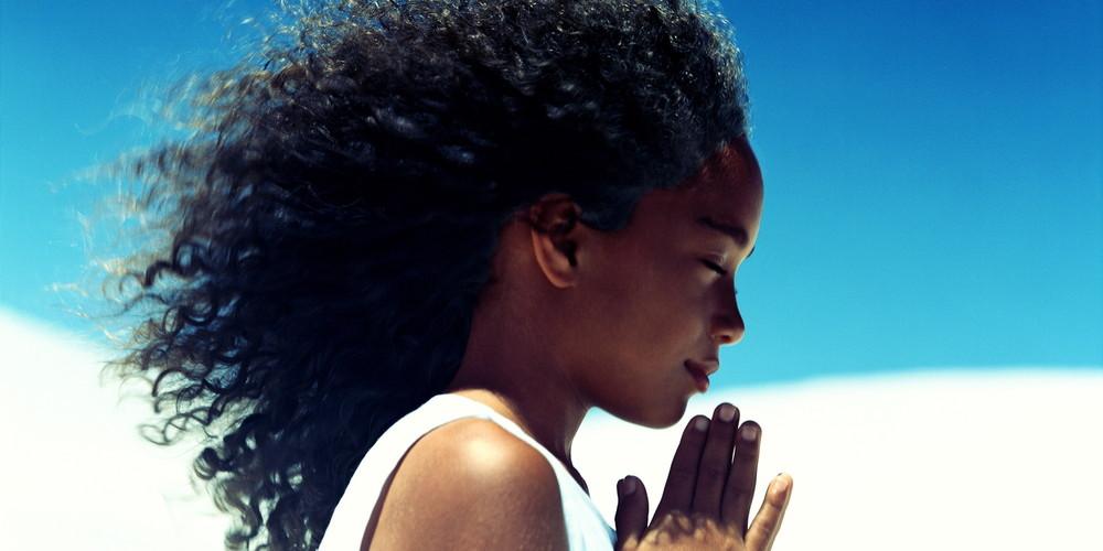 Una vita da riccia: 8 problemi che solo le donne con i capelli ricci possono capire