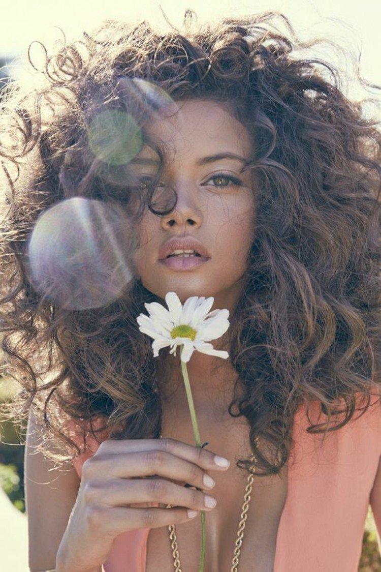 L'amla per capelli ricci: un impacco naturale anticrespo