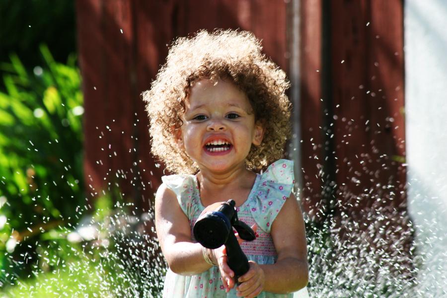 Come sistemare i capelli ricci dei bambini? 7 prodotti indispensabili
